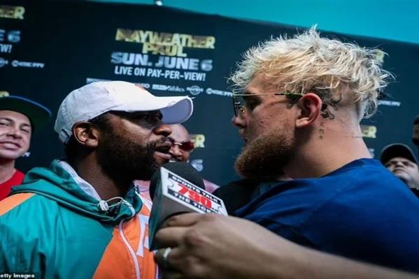 بالفيديو  .. مشاجرة عنيفة بين الملاكم فلويد مايويذر ومشهور اليوتيوب جيك بول