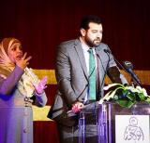 بالصور.. أول لقاء بين عمرو يوسف وزوجته بخطيبته السابقة