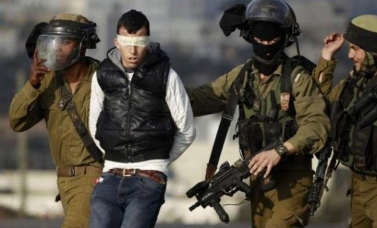 الاحتلال يعتقل مواطنا من سلواد شرق رام الله