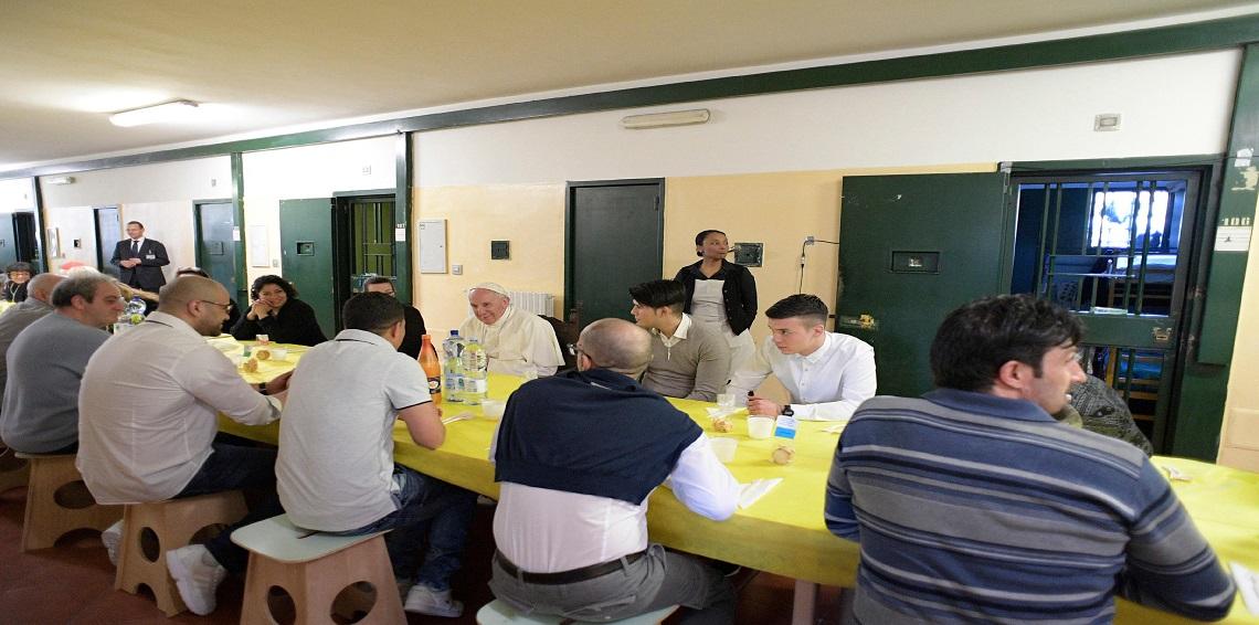 هروب سجينين أثناء غداء مع بابا الفاتيكان
