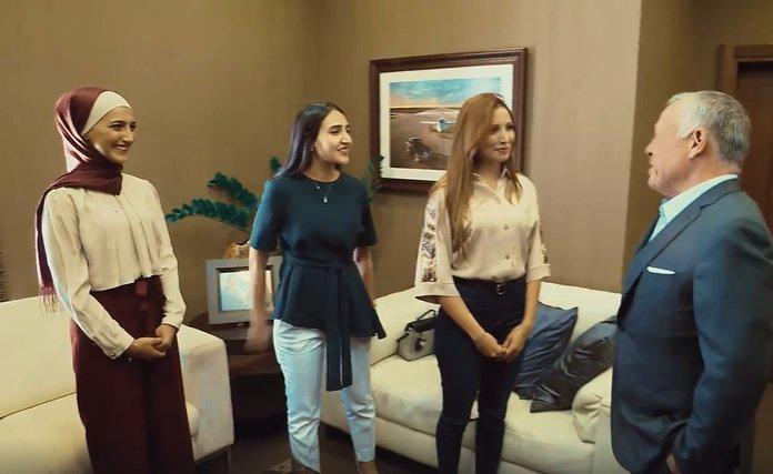 بالفيديو  ..  الملك يلتقي طالبات من جامعتي الأردنية واليرموك في واشنطن