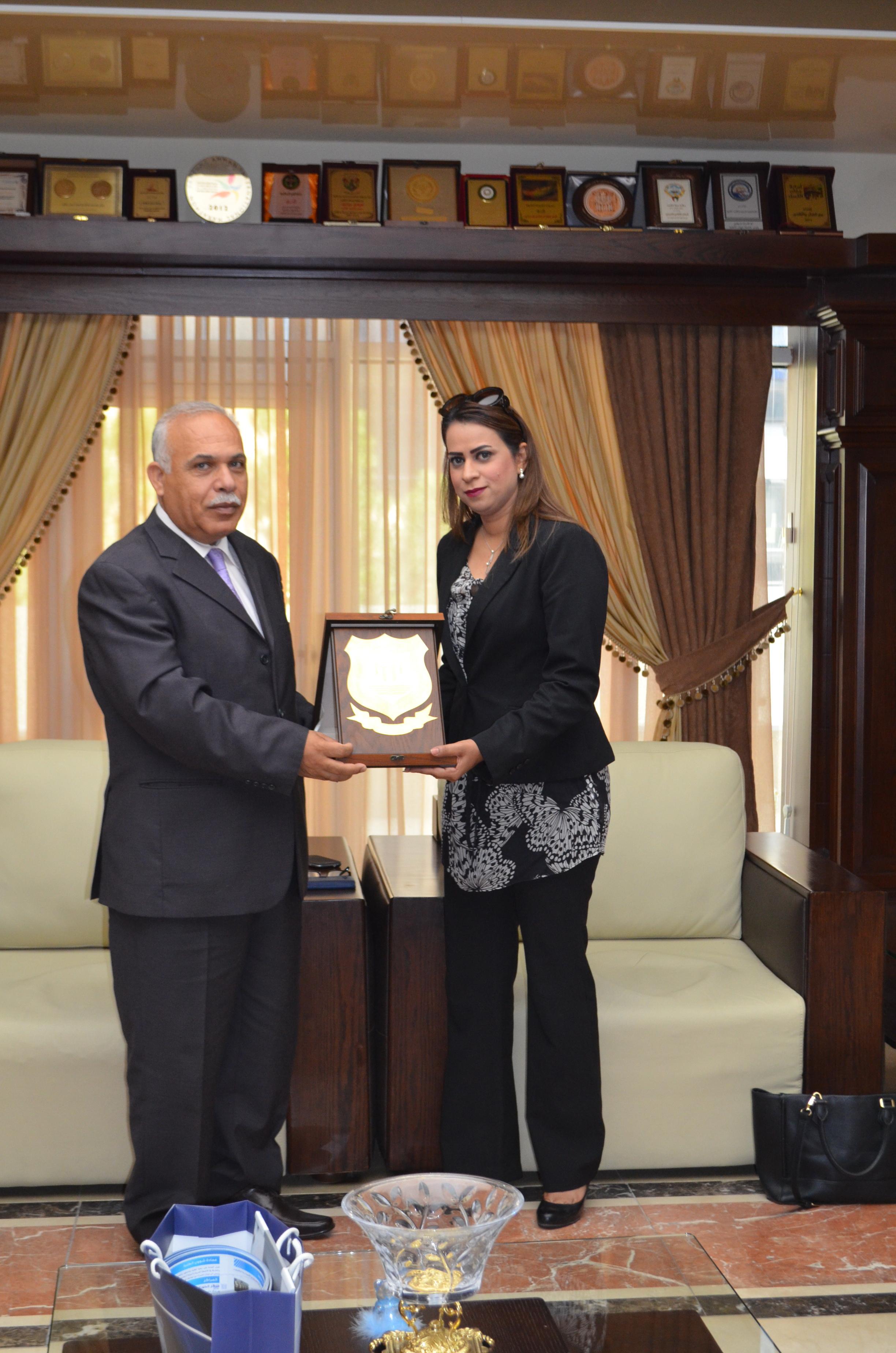 رئيس جامعة عمان الأهلية يلتقي بالمستشار الثقافي البحريني