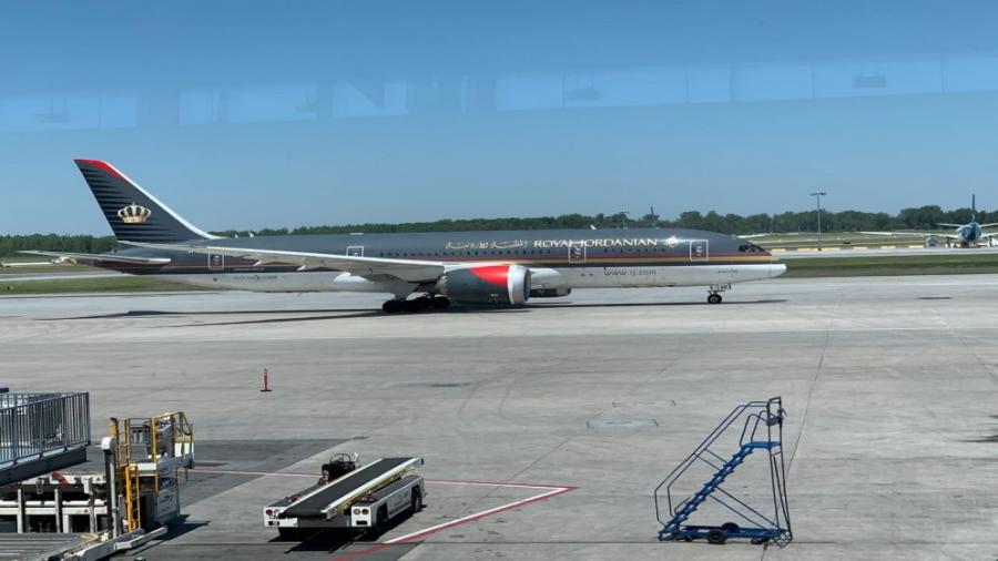 طائرة تقل عائدين أردنيين من كندا تصل الجمعة