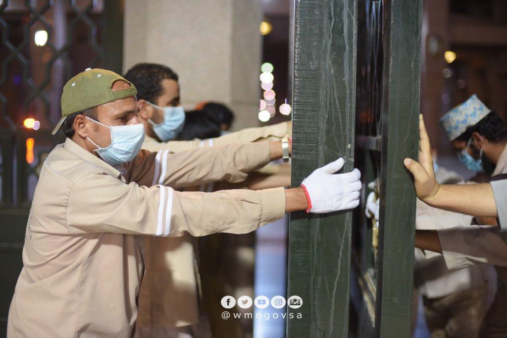 الصور الأولى لإعادة فتح المسجد النبوي أمام المصلين
