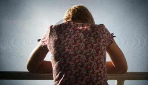 المانيا تقر عقوبات التصوير أسفل التنانير