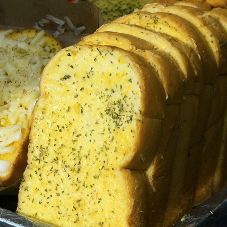 الخبز الفرنسي بالأعشاب