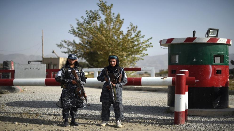 هجوم مسلح يودي بحياة مسؤول في شرطة طالبان وجرح 11