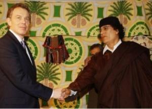 رسالة مسربة تكشف تفاصيل مكالمة هاتفية غير متوقعة من بلير للقذافي قبل قتله