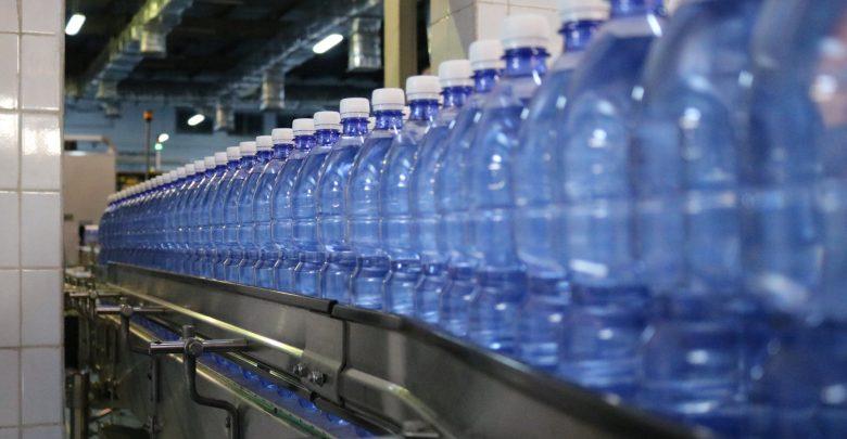مطالبات بإغلاق مصنع مخالف للشروط الصحية والبيئية في منطقة الشونه الجنوبية