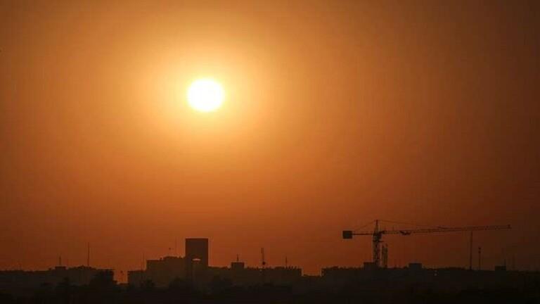 وسائل إعلام عراقية: سقوط صاروخين في المنطقة الخضراء وسط بغداد