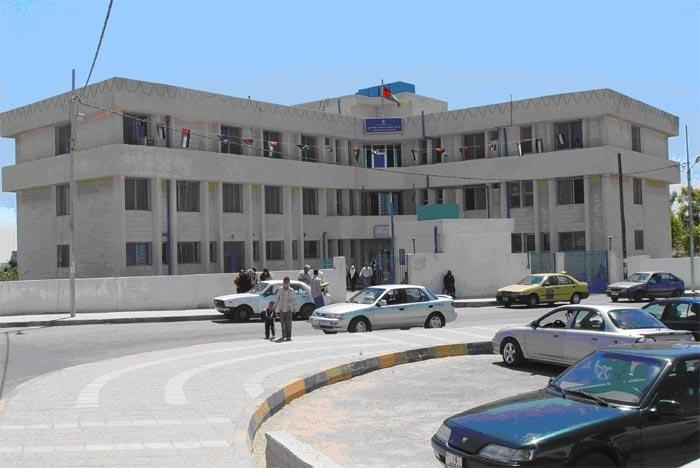 امام وزير الصحة : موظفوا مركز صحي ابو نصير يطالبون بصرف الاضافي و اعادة النظر في ظروف عملهم