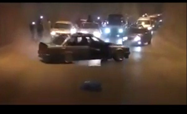"""احتجاز (25) سائقاً مع مركباتهم استخدموها """"للتفحيط"""""""