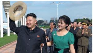 كوريا الشمالية تأمر طلبتها بحلاقة شعر الرأس