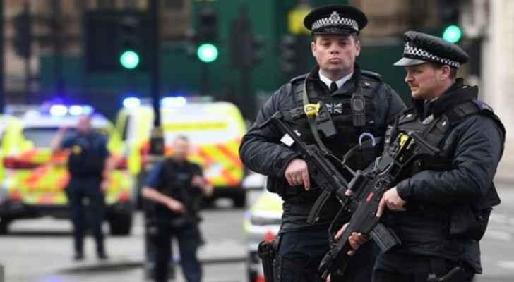 بريطانيا ..  اعتقال سيدة في مطار هيثرو بشبهة التحضير لعمل إرهابي