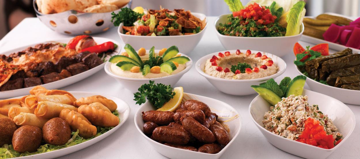"""مطلوب لكبرى المطاعم في الإمارات : """"شيف ، كابتن صالة ، مقدم طعام"""""""