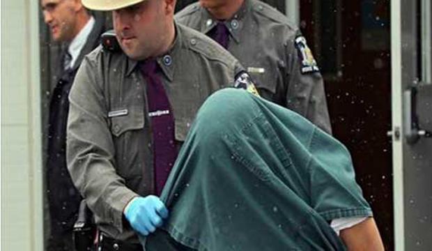 اعتقال رجل اغتصب ابنة زوجته 20 عاما وأنجب منها 10 أطفال