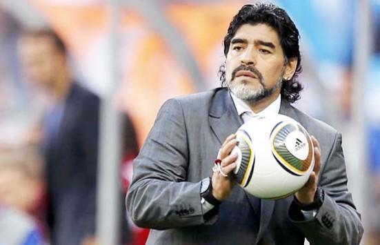 مراهق يزعم أنه ابن مارادونا