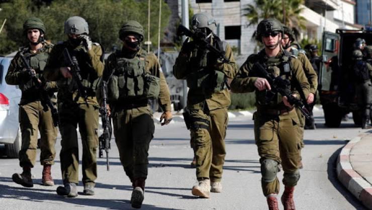 عشرات حالات الاختناق خلال مواجهات مع الاحتلال وسط الخليل