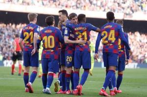 بالأرقام ..  بعد قراره الصعب ورفض اللاعبين ..  برشلونة الأكثر دفعا للرواتب حول العالم