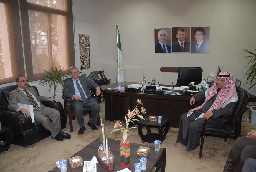 رئيس جامعة البترا يستقبل رئيس المكتب الثقافي الكويتي