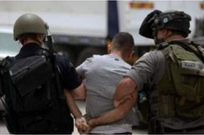 قوات الاحتلال تعتقل مواطنا شرق طولكرم
