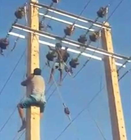 الغباوي: وفاة عامل كهرباء و اصابة آخر بجروح خطيرة اثر سقوطهما من اعلى عامود ضغط اثناء صيانته