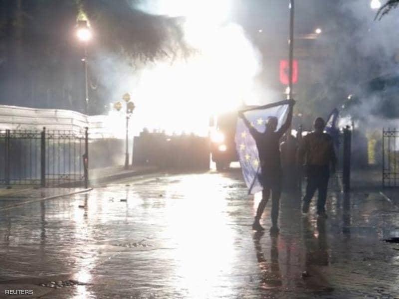 معارضة ألبانيا لرئيس الوزراء: فلترحل وإلا سنكسر عنقك