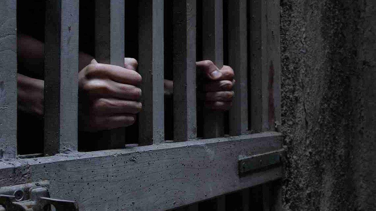 """أحكام بالسجن في قضايا """"فض اعتصام النهضة"""" و""""طبيبات المنيا"""" بمصر"""