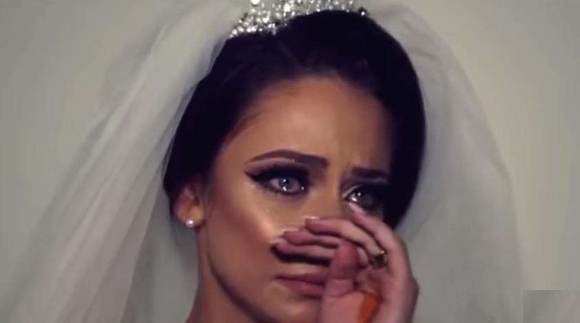 عروس أردنية ترفض التوجه لبيت عريسها بعد خروجها من القاعة وتناشد المارة في الشارع