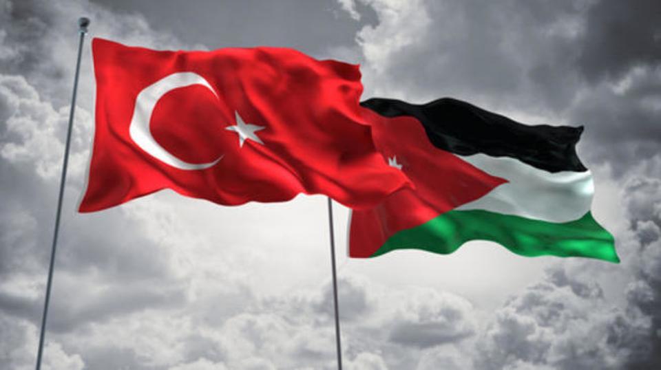 للأردنيين في تركيا  ..  الحكومة تُعيد فتح المطاعم و المتنزهات و إلغاء قيود السفر المفروضة  ..  تفاصيل