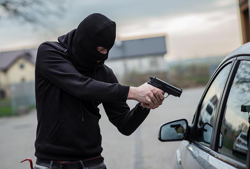 الأغوار الشمالية: سطو مسلح بالشارع العام على أحد المواطنين وسلب مبلغ مالي