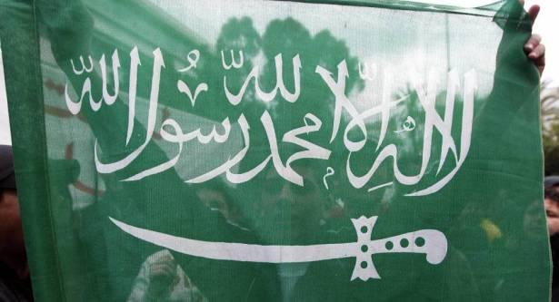"""بالفيديو  ..  هذا ما سيحلّ بـ""""هيئة الأمر بالمعروف"""" في السعودية"""
