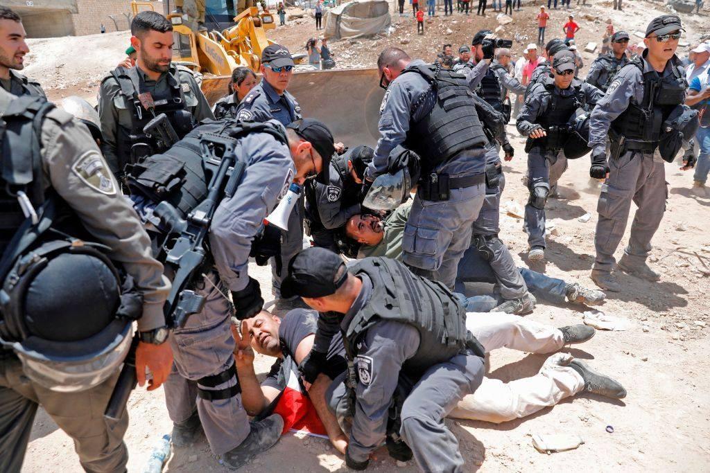 اسرائيل تخوض حربا نفسية لاستنزاف المواطنين الفلسطينيين في الخان الأحمر