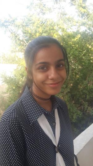 ترفيع طالبة من مدارس تربية البترا من الصف السابع إلى التاسع ضمن برنامج التسريع الأكاديمي