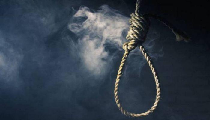 إعدام مدمن مخدرات قتل والده بـ 36 طعنة في الامارات