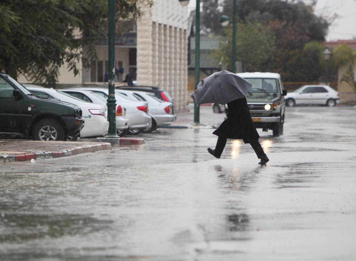 """امطار غزيرة وانخفاض على درجات الحرارة وتحذير من تشكل السيول  ..  """"تفاصيل"""""""