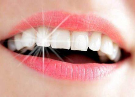 كلمة السر الكركم ..  طرق طبيعية لتبييض الأسنان