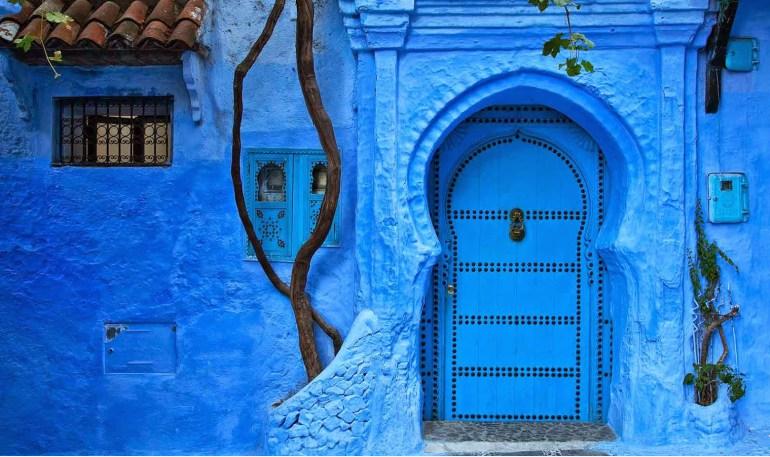 بالصور  ..  شفشاون مدينة مغربية بسحر أزرق