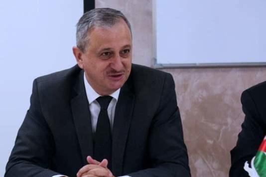 مجلس الوزراء يحيل مدير عام دائرة الأراضي معين الصايغ إلى التقاعد
