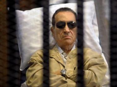 مصر: محكمة النقض تأمر بإعادة محاكمة مبارك