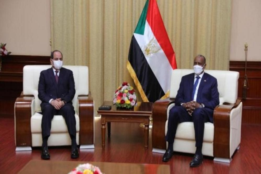 السيسي يؤكد من الخرطوم وحدة موقف بلاده مع السودان في مسألة سد النهضة