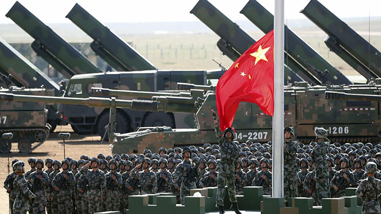 شاهد ..  سلاح صيني يخفي القوات العسكرية في لحظات
