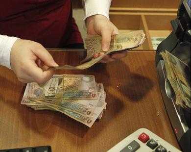إجراءات وقرارات حكومية أضاعت على الخزينة 3.1 مليار دينار من الإيرادات عامة