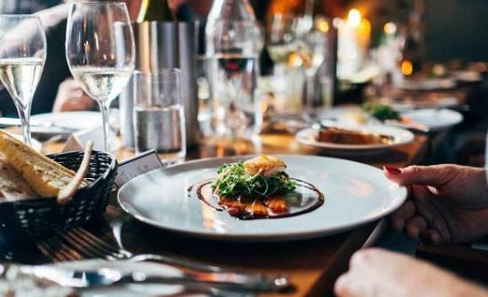 """وزارة العمل توفر 100 فرصة عمل في قطاع المطاعم .. """"تفاصيل"""""""