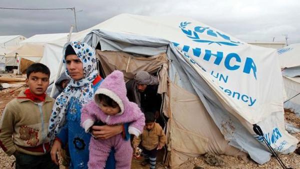لبنان يوقف استقبال اللاجئين السوريين