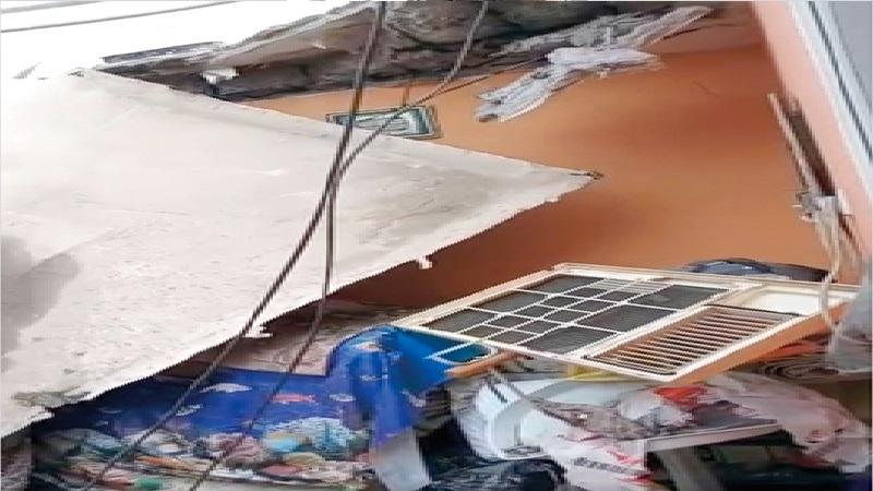 نجاة أسرة مواطن من سقوط سقف غرفة