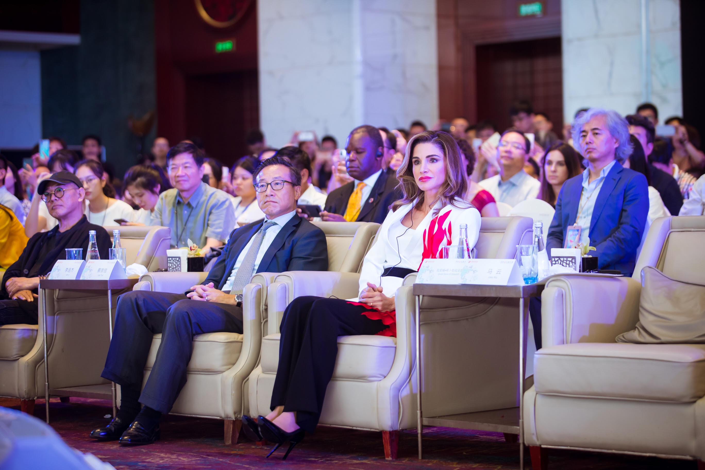 الملكة رانيا تشارك بمؤتمر العطاء في الصين