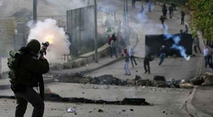 عاجل :إصابة عشرات الفلسطينيين خلال مواجهات مع الاحتلال في الضفة