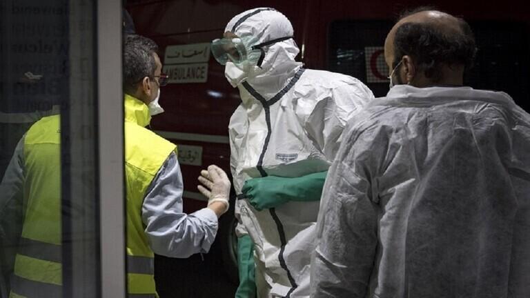 دولة عربية تُعلن انخفاض مؤشر انتشار فيروس كورونا في البلاد