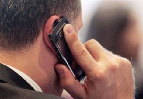 """مفتي مصر : قطع الصلاة للرد على هاتف ضروري """"جائز"""""""